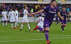 La Fiorentina resiste un tempo alla Roma, poi cede: 2-4. Non bastano Veretout e Simeone. Pagelle