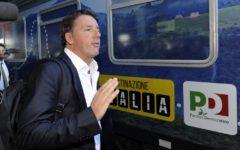 Casarsa della Delizia (Pn): Renzi e il treno del Pd contestati da una donna che grida «vergogna»