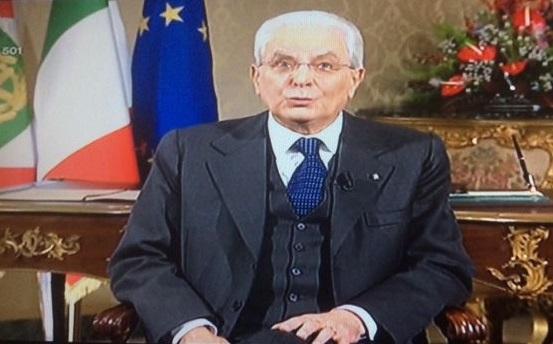 Discorso Mattarella. Gentiloni: #GraziePresidente. Meloni: non ha mai pronunciato la parola Patria