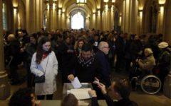 Catalogna, elezioni: alle 18 ha votato il 68,24%. Le prospettive per la formazione del Governo