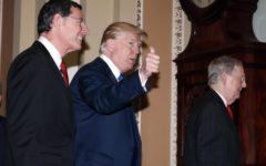 Taglio tasse negli Usa: meno 1.400 miliardi di dollari al fisco. Trump: «Regalo di Natale alle famiglie»
