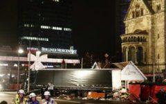 Berlino: strage dei mercatini di Natale, il sindaco commemora le vittime