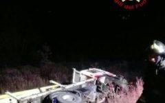 Arezzo: morto bambino di 4 anni nello scontro fra due auto e un camion