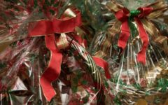 Natale: la tredicesima si spende per il 39% in regali, 34% in tasse,  19% nel risparmio, il resto in altro