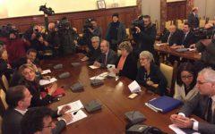 Statali: firmato il contratto, in arrivo gli arretrati (da 370 a 712 euro) il 27 o 28 febbraio