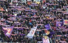 Fiorentina: tifosi festeggiano la squadra dopo la vittoria di Roma. Nel nome di Astori