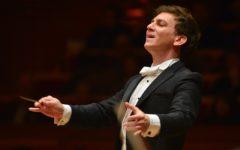 Firenze, Teatro del Maggio: Daniel Smith sul podio per il settimo concerto del ciclo Šostakovič