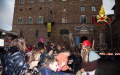 Firenze: la befana dei Vigili del fuoco al Meyer e in Piazza Signoria