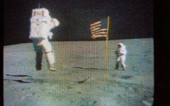 Houston: morto l'astronauta John Young, nel 1972 mise piede sulla luna. Aveva 87 anni