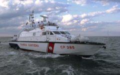 Migranti: salvati 1.400 nel mediterraneo, due i morti. Intervento della guardia costiera