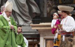 Giornata mondiale dei rifugiati e dei migranti: Papa Francesco e i vescovi, apriamo le braccia a tutti