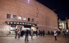 Torino: crolla una scena della Turandot al Teatro regio.Feriti due artisti del coro, spettacolo interrotto