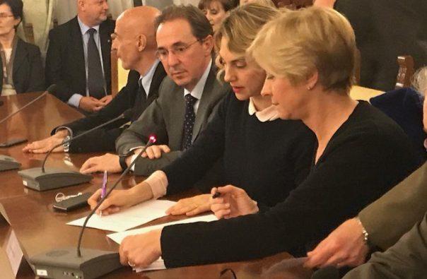 Contratto dei Vigili del Fuoco, firmato il rinnovo: aumenti di 84 euro