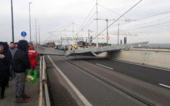 Venezia: accesso bloccato alla città, è crollato un pilone d'acciaio sul ponte della Libertà
