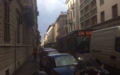 Firenze: code interminabili, al mattino, in via Lamarmora, piena di autobus, di auto e di furgoni. Causa, i lavori in via della Colonna (fot...