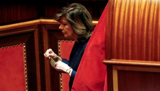 Senato: Maria Elisabetta Alberti Casellati (FI) prima donna presidente. Roberto Fico (M5S) alla Camera dei deputati. Votati da centrodestra e M5S