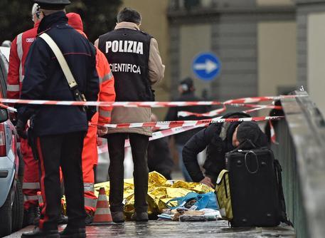Firenze, spari a ponte Vespucci: ucciso un uomo