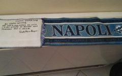 Morte di Astori: i Della Valle alla camera ardente. Sciarpa del Napoli: omaggio di un tifoso speciale