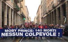Livorno, Moby Prince: centinaia di persone in corteo per ricordare le 140 vittime