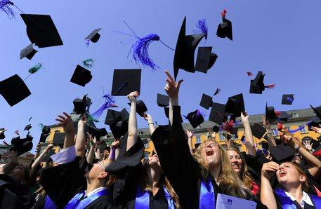 Eurostat: Italia ancora penultima Ue per laureati, uno su sei