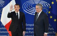Strasburgo: Macron, davanti al Parlamento Ue, condanna gli egoismi nazionali e parla d'immigrazione