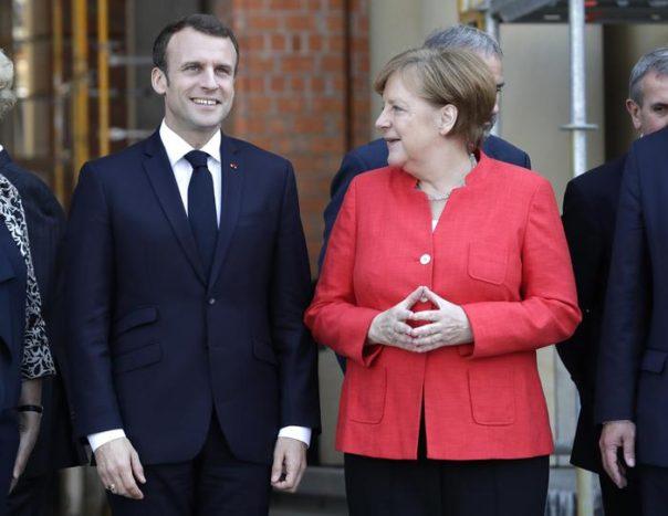 Ue, Merkel e Macron visitano il nuovo castello di Berlino