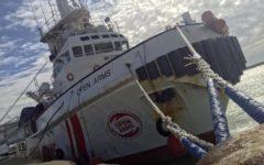 Migranti, Ragusa: dissequestrata la nave dell'Ong spagnola Proactiva Open Arms