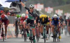 Giro d'Italia: a Imola volata vincente di Sam Bennet. Yates sempre maglia rosa