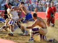 Firenze, calcio storico: approvate nuove regole a tutela dei calcianti