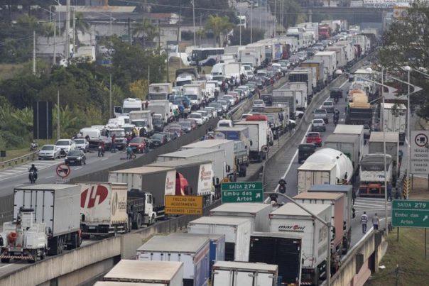 Brasile, sciopero camionisti è emergenza