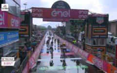 Giro d'Italia: a Iseo quarto successo di Elia Viviani, Yates sempre in rosa