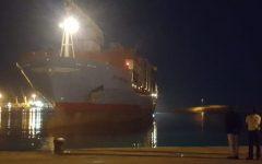 Migranti: la Maersk (108 persone a bordo) attracca di notte a Pozzallo. Con il sì di Salvini