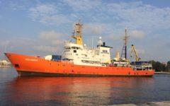 Migranti, Valencia: metà dei 632 sbarcati vuole andare in Francia. Nave Aquarius si prepara a tornare nel Mediterraneo
