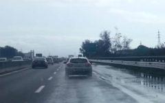Firenze: A1 allagata nel pomeriggio per l'esondazione di un fosso. Rallentamenti e 10 km di coda
