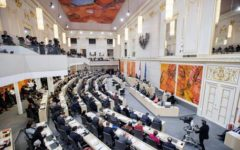 L'Austria chiude 7 moschee ed espelle alcuni imam. Turchia all'attacco. Il plauso di Salvini
