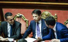 Conte al Senato: fedeltà alla Nato, via sanzioni alla Russia, taglio di tasse, vitalizi e pensioni d'oro