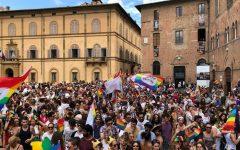 Siena: in cinquemila al Toscana pride, c'era anche il governatore Enrico Rossi