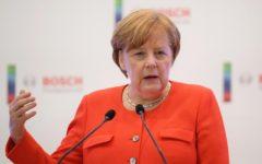 Merkel: aperta a collaborare con il nuovo Governo. Cerca di rimediare alle dichiarazioni di politici e media teutonici