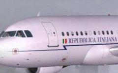 Governo: l'aereo di Renzi è uno spreco, il contratto rescisso da Conte