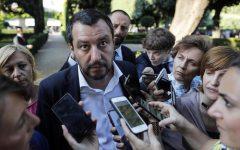 Salvini: via dai documenti genitore 1 e genitore 2, ripristiniamo padre e madre