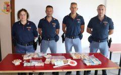 Arezzo: due italiani denunciati dalla Polstrada per riciclaggio. Avevano in auto 230.000 euro