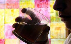 Salute: Binge drinking, abitudine dei giovani moderni, nuoce alla salute