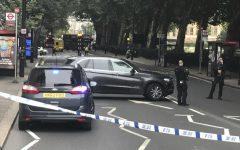 Londra: auto contro folla davanti al parlamento, tre feriti. Arrestato un uomo di colore