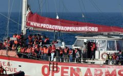 Migranti: anche l'ultima Ong abbandona il mediterraneo, la nave Proactiva Open Arms fa rotta verso la Spagna