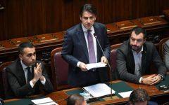 Migranti: scontro Conte - Salvini. Il premier li andrà a prendere in aereo, ma il ministro non cede di un millimetro