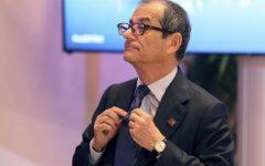 Col deficit all'1,9% la manovra impostata dal ministro Tria potrebbe decollare, salvo colpi di testa dei vicepremier