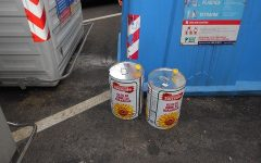 Firenze: abbandona per strada due lattine d'olio, multata titolare ristorante etnico