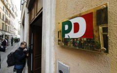 Roma: fantoccio impiccato a testa in giù davanti alla sede del pd a Ponte Milvio