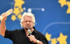 Roma: «Italia 5 Stelle», Grillo attacca Mattarella, dovremmo togliergli i poteri
