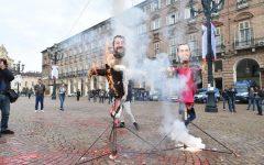 Scuola: manifestazioni principali a Roma e Torino. Bruciati manichini di Di Maio e Salvini